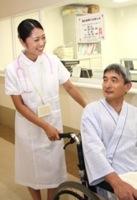 笑顔で働く看護師のイメージ写真